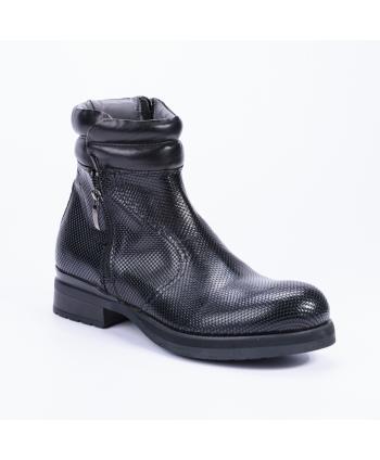 Anfibio Cesare Paciotti 4US Made in Italy in pelle lavorata colore nero e zip laterali