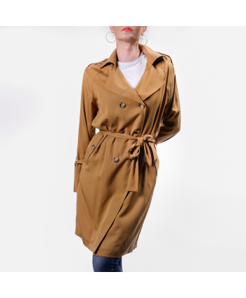 Trench Sienna.Bee Donna in tessuto color caramello