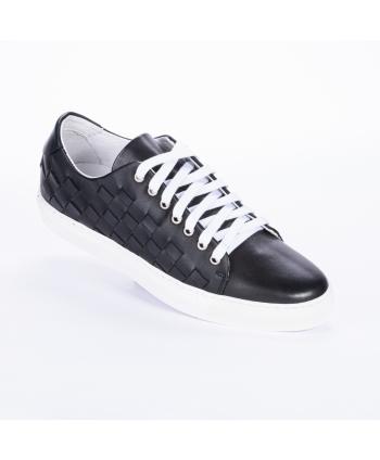 Sneakers Andrea Nobile Made in Italy in pelle colore nero, con dettaglio di intreccio laterale, para bianca.