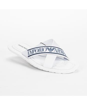 Ciabatta Emporio Armani Made in Italy in pvc colore bianco con dettagli del logo in blu.