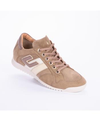 Sneakers Cesare Paciotti 4US Made in Italy, In camoscio colore sabbia.