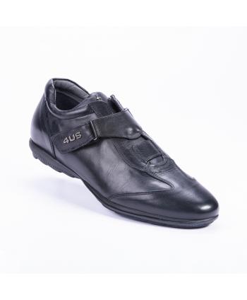 Sneakers Cesare Paciotti 4US Made in Italy in pelle colore nero.