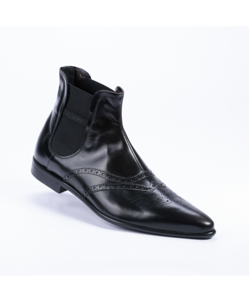 Stivaletto Cesare Paciotti Made in Italy in pelle colore nero