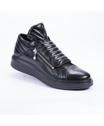 Sneakers Cesare Paciotti Made in Italy in pelle lavorata colore nero.