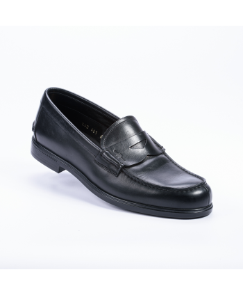 Mocassino Car Shoes College Made in Italy in pelle colore nero.