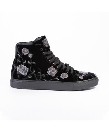 Sneakers con ricamo Cesare...