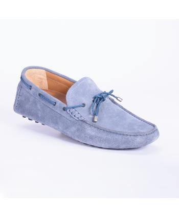 Mocassino Andrea Nobile Made in Italy in camoscio colore cobalto, fondo piolini.