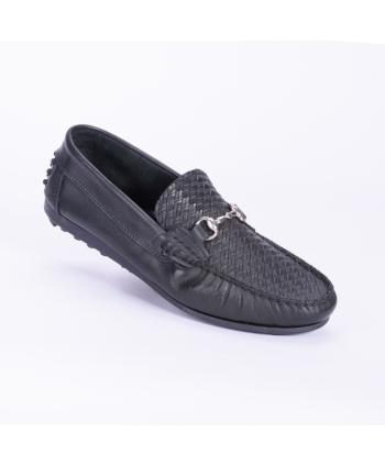 Mocassino Andrea Nobile Made in Italy in pelle intrecciata color nero, con dettaglio in acciaio.