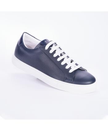 Sneakers Andrea Nobile Made in Italy in pelle microforata colore blu.